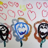 Les 3 fleurs sont tristes car elles ont leur nez coupés. La petite fille les soignent avec des paillettes et elles retrouvent leur sourire avec du pastel.